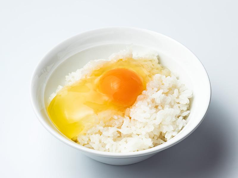 北坂養鶏場の卵かけご飯